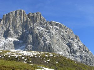 mountains-illustration-solid-integity